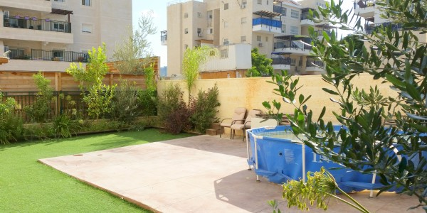 Rabbi Yanai Street | Garden - Garden Apartment