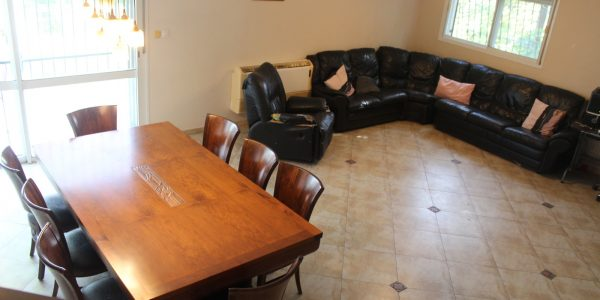 Downstairs | Semi-Attached Cottage on HaChavatzelet, Nofei Aviv - Beit Shemesh