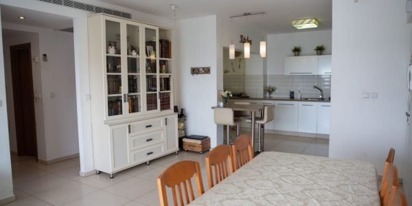 Dining to Kitchen | Penthouse on Havakuk HaNavi St - Ramat Beit Shemesh Gimmel