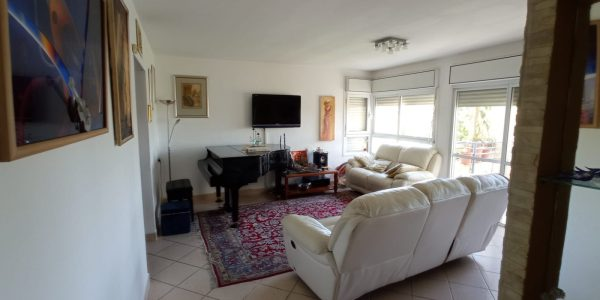 Living Room | Apartment on Reuven Street - Sheinfeld, Beit Shemesh