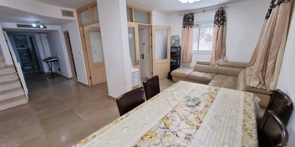 Salon | Apartment on Nachal Snir, Ramat Beit Shemesh