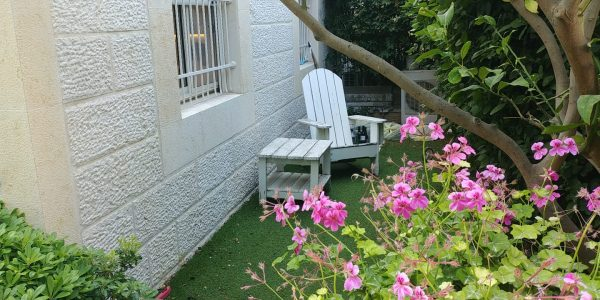 Garden | Cottage in Sun Gardens, Ramat Beit Shemesh Aleph