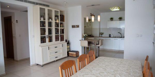 Dining to Kitchen | Penthouse on Havakuk HaNavi St - Ramat Beit Shemesh Gimmel